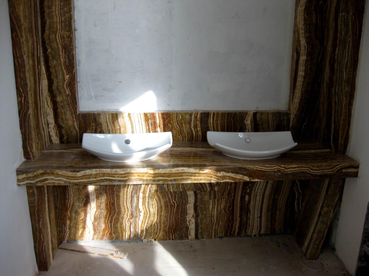 Применения мрамора в облицовке ванной комнаты